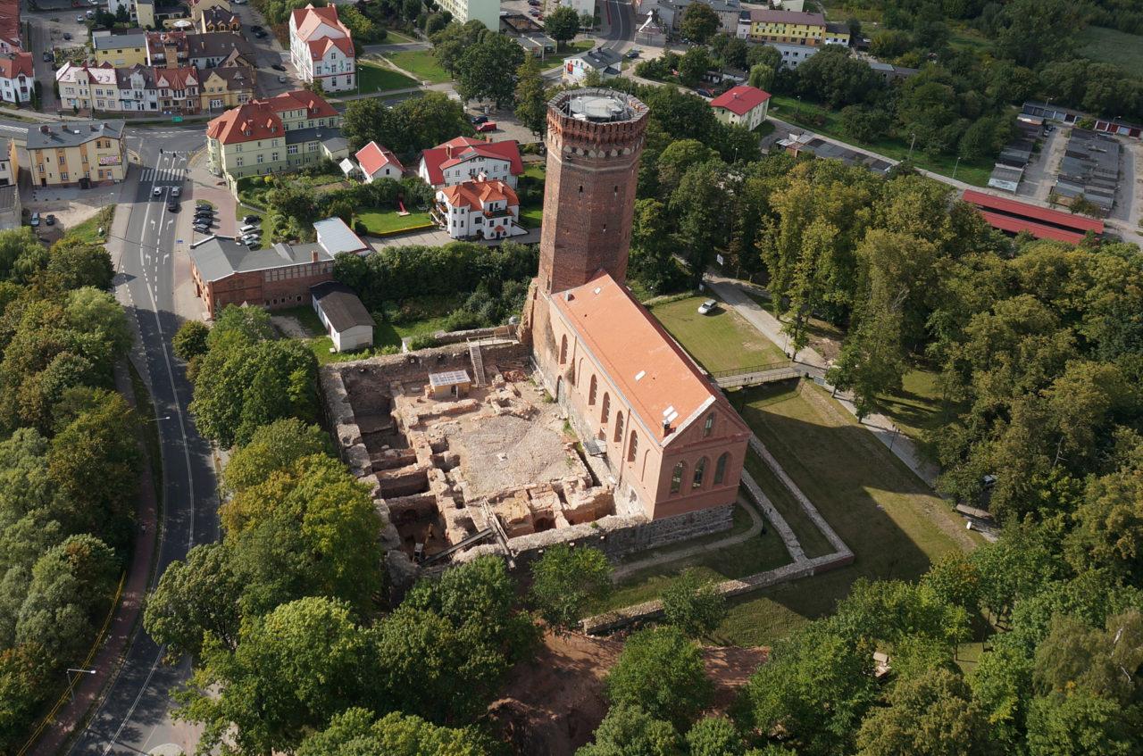 Zamek krzyżacki w Człuchowie podczas wykopalisk w 2014 roku/Teutonic castle in Człuchów during archaeological excavations in 2014