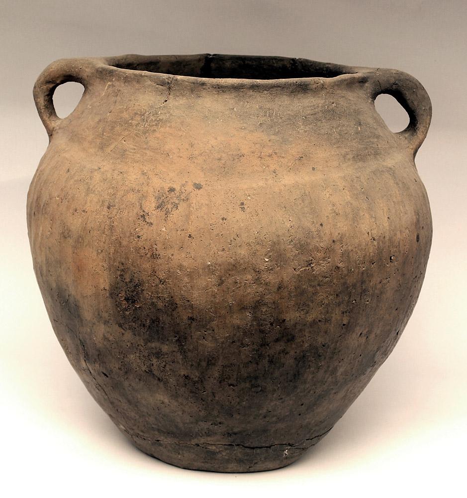 Fig.5 - Przykład doskonale zachowanej urny. Fot. I. Łukajniuk